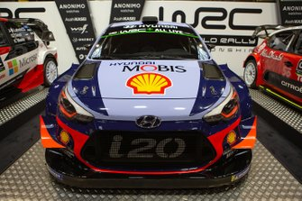 Hyundai i20 WRC of Thierry Neuville and Nicolas Gilsoul