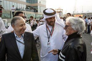Jean Todt, FIA President, Mohammed Bin Sulayem en Bernie Ecclestone op de grid