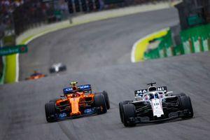 Lance Stroll, Williams FW41, Stoffel Vandoorne, McLaren MCL33