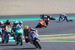 Marco Bezzecchi, Prustel GP leads, Fabio Di Giannantonio, Del Conca Gresini Racing Moto3 crashes