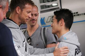 ジェンソン・バトンと山本尚貴(#100 RAYBRIG NSX-GT)