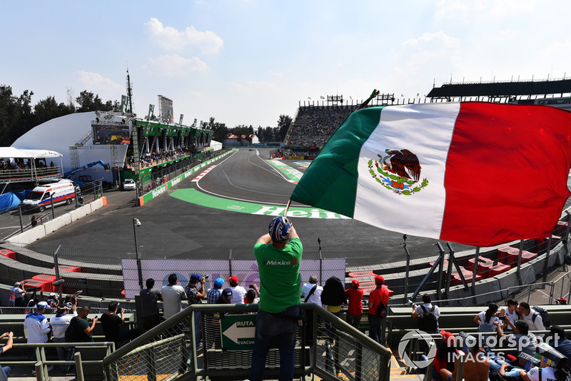 Action and fan with Mexican flag