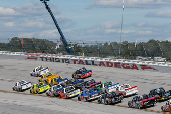 Spencer Gallagher, GMS Racing, Chevrolet Silverado Allegiant, Austin Hill, Young's Motorsports, Chevrolet Silverado Young's Building Systems/Randco