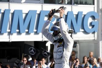 Чемпіон Гарі Паффетт, Mercedes-AMG Team HWA, Mercedes-AMG C63 DTM