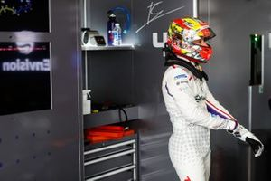 Robin Frijns, Envision Virgin Racing in the garage