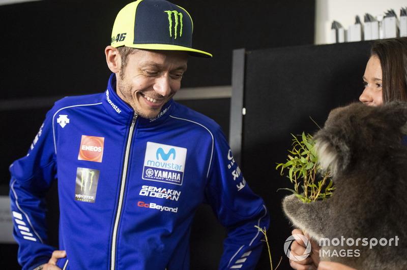 Valentino Rossi, Yamaha Factory Racing, con un Koala