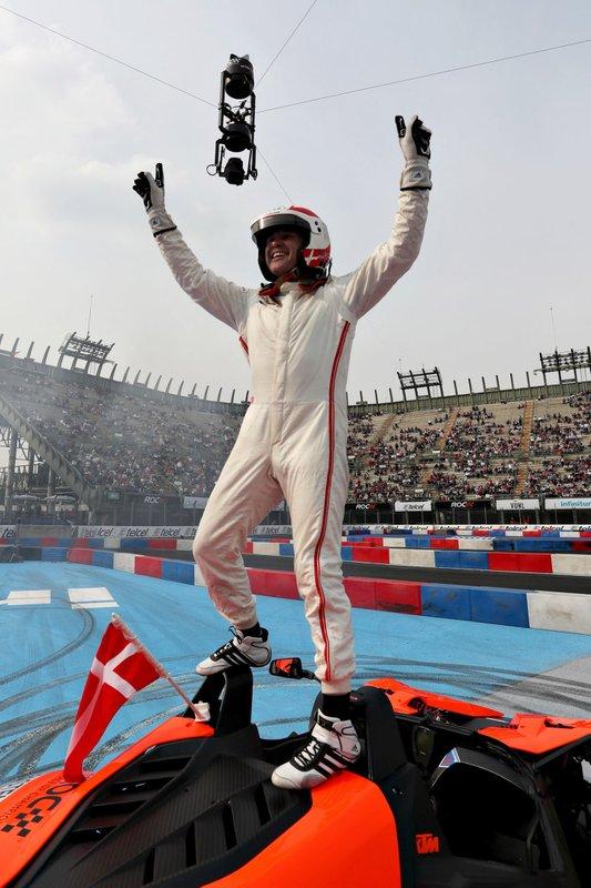 Том Крістенсен святкує перемогу у Кубку націй ROC