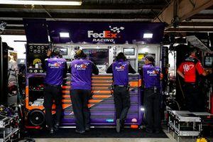 Denny Hamlin, Joe Gibbs Racing, Toyota Camry FedEx Express crew members