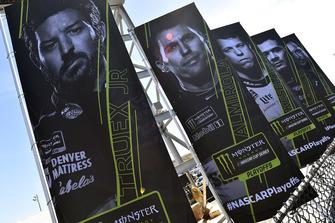 Martin Truex Jr., Furniture Row Racing, Toyota Camry Bass Pro Shops/5-hour ENERGY playoff banner