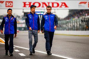 Brendon Hartley, Scuderia Toro Rosso, fait le tour du circuit à pied