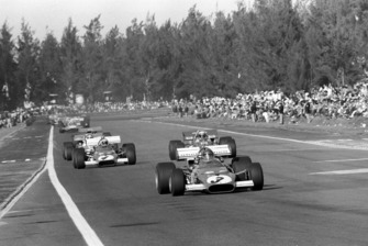 Race winner Jacky Ickx, Ferrari 312B, leads Jackie Stewart, Tyrrell 001, Clay Regazzoni, Ferrari 312B
