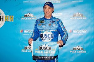 Polesitter Kevin Harvick, Stewart-Haas Racing, Ford Fusion Busch Light