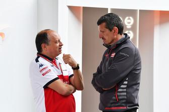 Frederic Vasseur, Sauber, Team Principal and Guenther Steiner, Haas F1 Team Principal