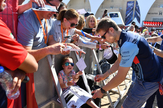 Sergey Sirotkin, Williams Racing signs autographs for the fans