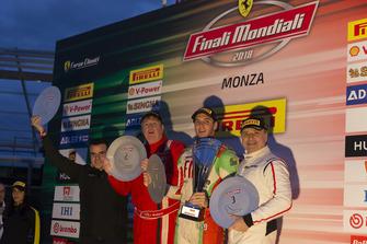 Il podio di Gara 2 del Ferrari Challenge North America