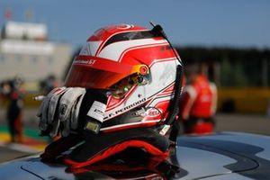 Helm: Francois Perrodo, AF Corse