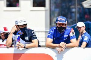 Yuki Tsunoda, AlphaTauri and Fernando Alonso, Alpine F1 on the drivers parade