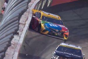 Kyle Busch, Joe Gibbs Racing, Toyota Camry M&M's hits the wall