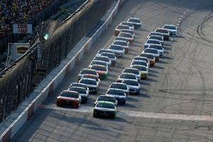 Start zum Southern 500 in Darlington: Ryan Blaney, Team Penske, Ford Mustang Menards/Richmond, führt