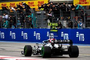 Race winnaar Lewis Hamilton, Mercedes W12