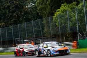 Niels Langeveld, Sébastien Loeb Racing, Hyundai Elantra N TCR, Viktor Davidovski, PSS Racing Team, Honda Civic Type R TCR