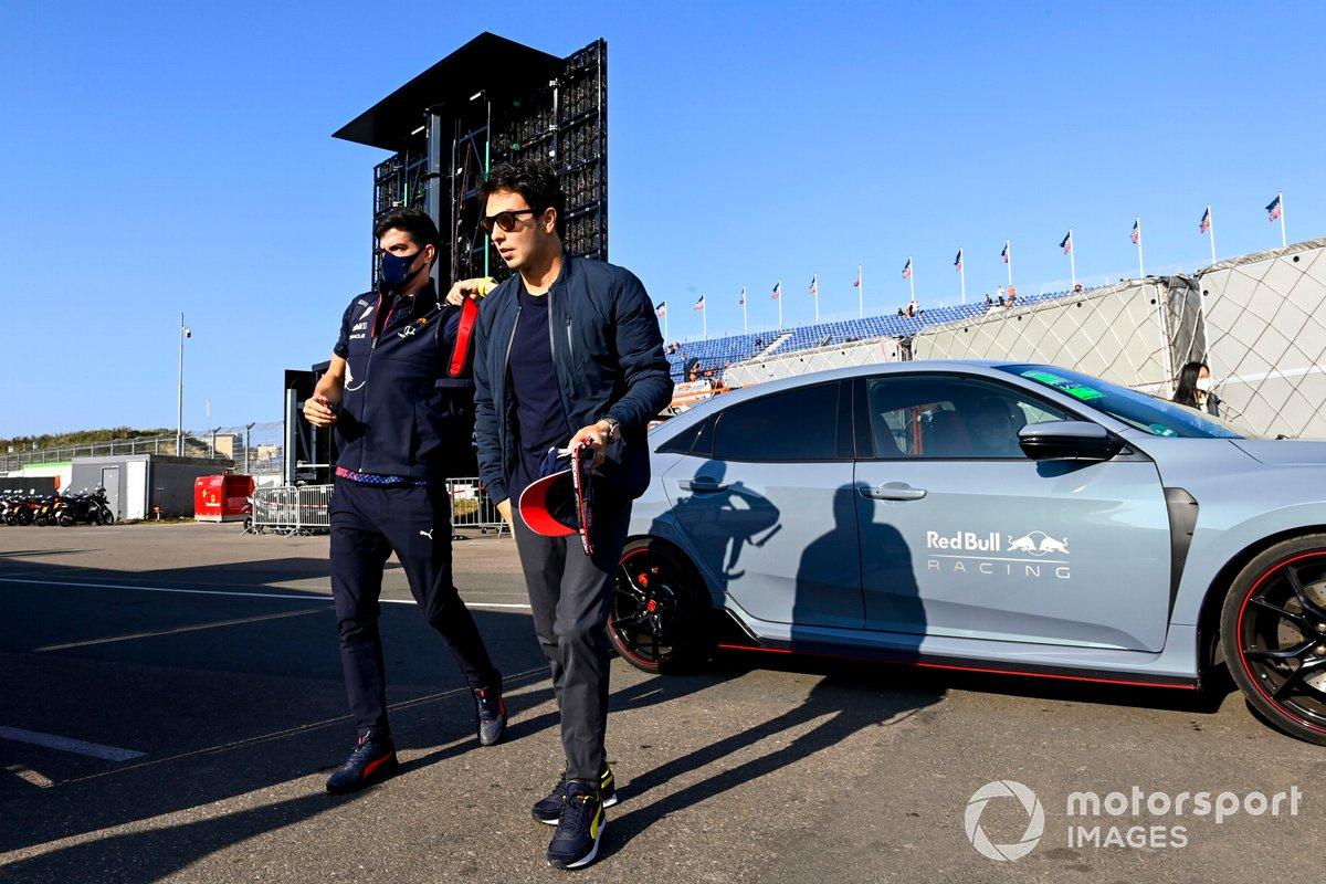 Sergio Pérez, Red Bull Racing llega al circuito