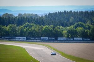 #77 Barwell Motorsport Lamborghini Huracan GT3 Evo: Henrique Chaves, Miguel Ramos, Leo Machitski