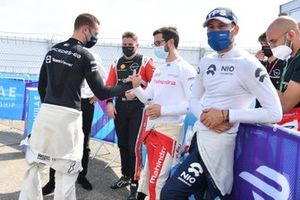 Le poleman Stoffel Vandoorne, Mercedes-Benz EQ, Alexander Sims, Mahindra Racing