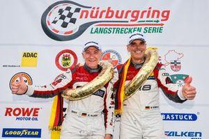 #50 Twin Busch by équipe vitesse Audi R8 LMS GT3: Arno Klasen, Michael Heimrich