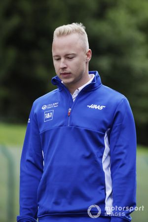 Nikita Mazepin, Haas F1, walks the track
