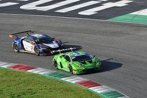#66 Vincenzo Sospiri Racing, Lamborghini Huracán GT3 Evo: Federico Leo, Ivan Peklin e #77 Nova Race, Honda NSX GT3 Evo: Erwin Zanotti, Jorge Cabezas
