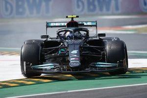 Valtteri Bottas, Mercedes W12 runs wide