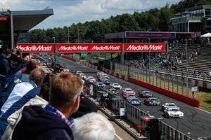 Start der DTM 2021 in Zolder: Marco Wittmann, Walkenhorst Motorsport BMW M6 GT3, führt