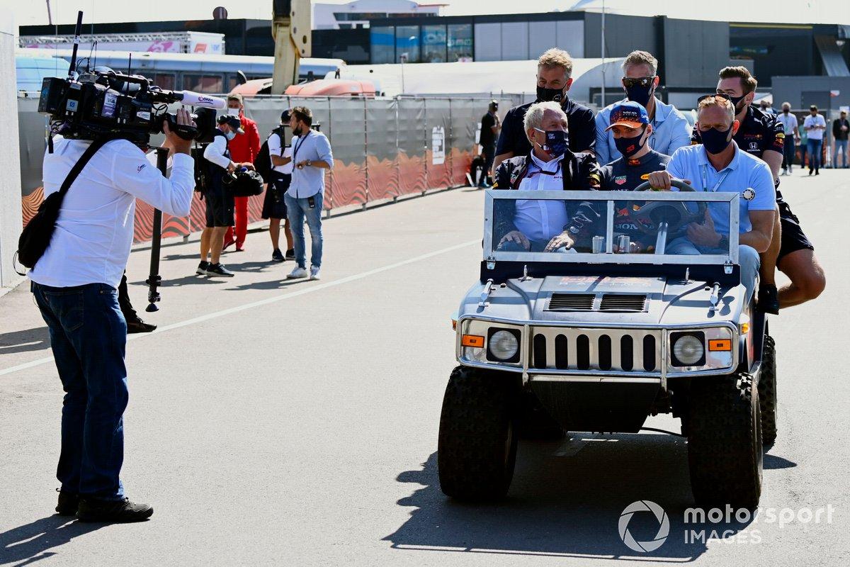 Helmut Marko, asesor de Red Bull Racing, y Max Verstappen, Red Bull Racing