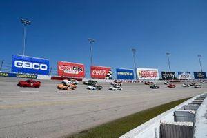 Daniel Hemric, Joe Gibbs Racing, Toyota Supra Poppy Bank, A.J. Allmendinger, Kaulig Racing, Chevrolet Camaro Hyperice
