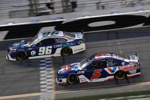 Kyle Larson, Hendrick Motorsports, Chevrolet Camaro Valvoline Instant Oil Change, Landon Cassill, Gaunt Brothers Racing, Toyota Camry Carnomaly