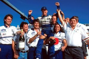 David Coulthard, Williams celebrates his team members