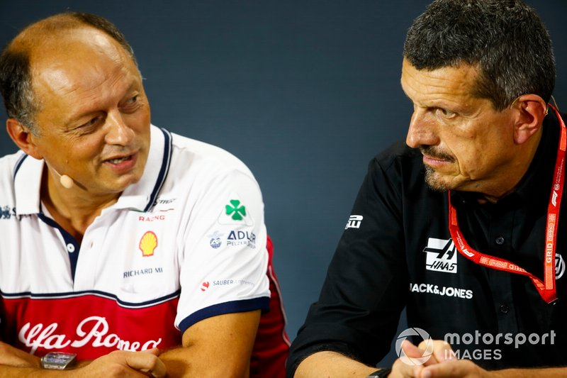 Frederic Vasseur, Team Principal, Alfa Romeo Racing, e Guenther Steiner, Team Principal, Haas F1 Team, in conferenza stampa