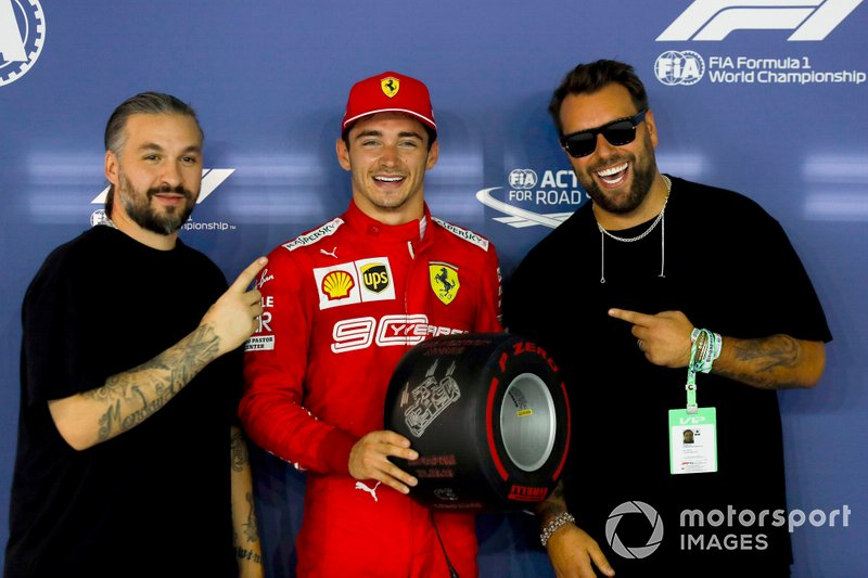 Pole sitter Charles Leclerc, Ferrari riceve il Pirelli Pole Position award dalla Swedish House Mafia, DJs