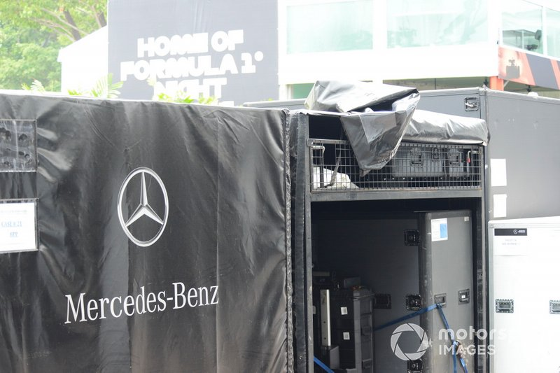 Mercedes freight is unloaded