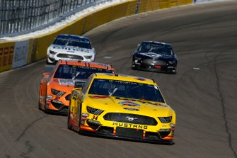 Michael McDowell, Front Row Motorsports, Ford Mustang Love's Travel Stops and Corey LaJoie, Go FAS Racing, Ford Mustang Schluter Systems