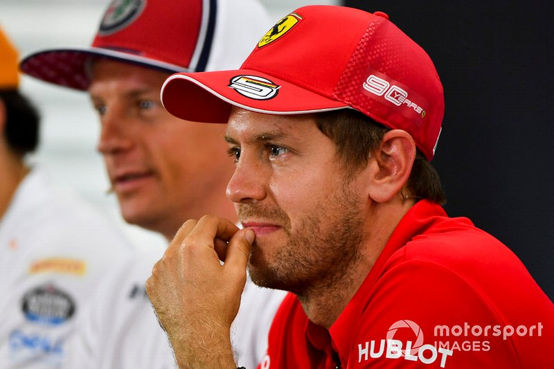 Sebastian Vettel, Ferrari et Kimi Raikkonen, Alfa Romeo Racing lors de la conférence de presse