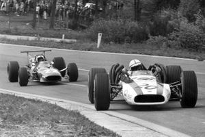 John Surtees, Honda y Chris Amon, Ferrari
