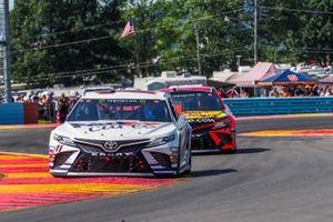 Denny Hamlin, Joe Gibbs Racing, Toyota Camry FedEx Cares, Martin Truex Jr., Joe Gibbs Racing, Toyota Camry Bass Pro Shops