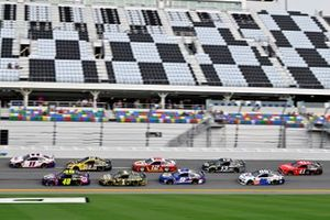 Denny Hamlin, Joe Gibbs Racing, Toyota Camry FedEx Office, Jimmie Johnson, Hendrick Motorsports, Chevrolet Camaro Ally