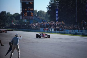 Race winner Clay Regazzoni, Ferrari 312B