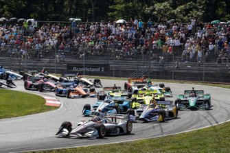 Will Power, Team Penske Chevrolet, Alexander Rossi, Andretti Autosport Honda, Josef Newgarden, Team Penske Chevrolet, alla partenza
