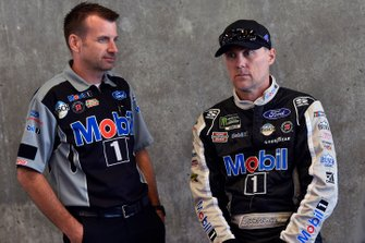 Kevin Harvick, Stewart-Haas Racing, Ford Mustang Mobil 1 and Rodney Childers