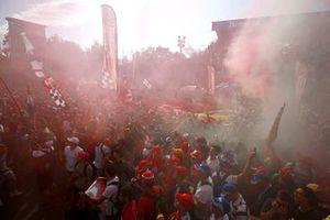 Les fans de Ferrari fêtent la victoire