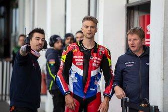 Leon Camier, Honda WSBK Team, Pike